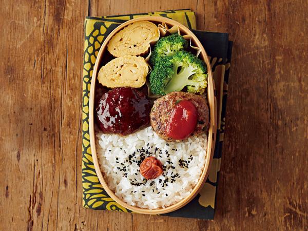 オイスターソース味ミニハンバーグ(写真左)