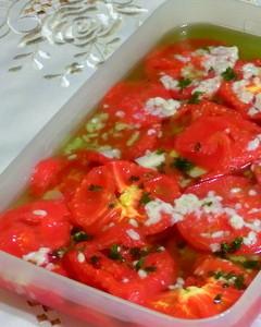 焼きトマトの塩麹オリーブオイル漬け