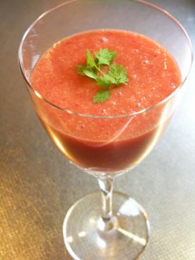 カクテルにもおすすめ塩トマトの冷製スープ