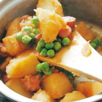 ジャガイモとソーセージのしょうゆ煮