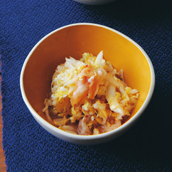白菜とキムチと塩辛のあえ物