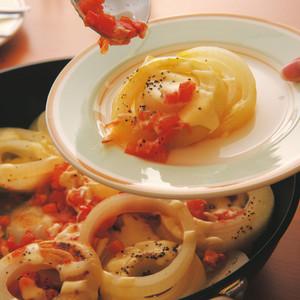 タマネギとトマトの蒸し煮