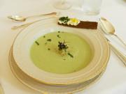 キュウリと山葵の冷製スープの写真