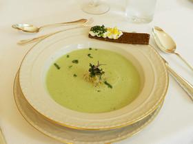 キュウリと山葵の冷製スープ