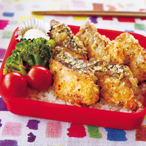 鮭のパン粉焼き弁当