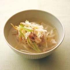 豚肉とモヤシの酸っぱいスープ