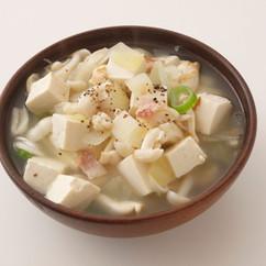 豆腐とホワイトシメジのスープ