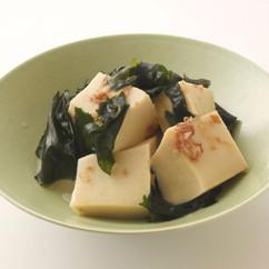 高野豆腐とワカメの簡単煮物