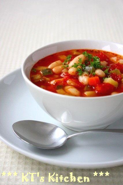野菜たっぷり★白いんげん豆のトマトスープ
