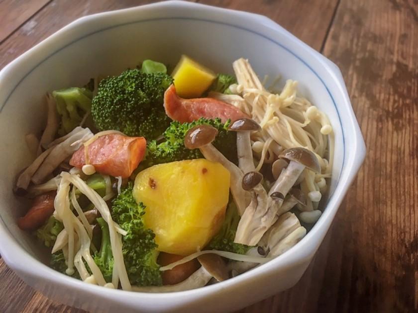 レンジで簡単☆きのこと温野菜ホットサラダ