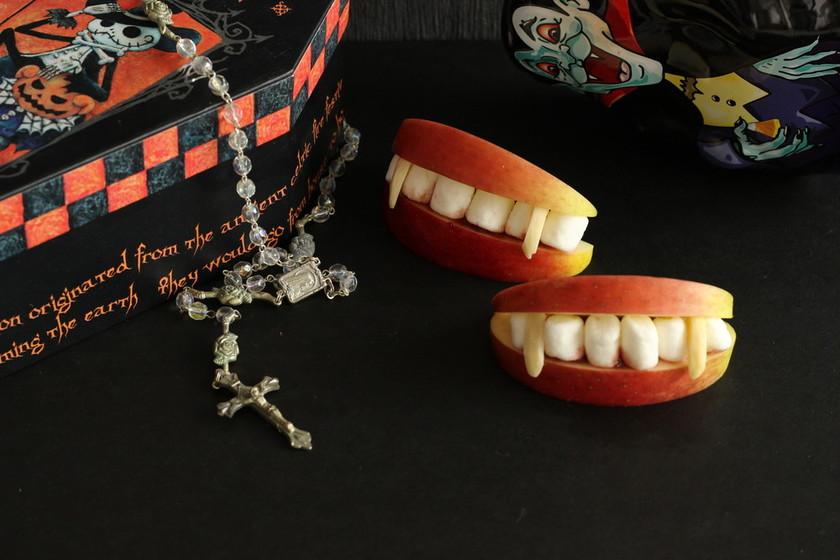 ハロウィンデザート ドラキュラの怖い歯
