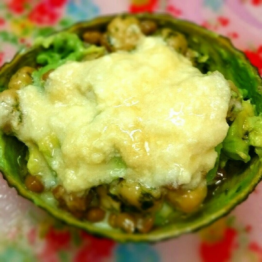 納豆のアボカドココット♪簡単チーズソース