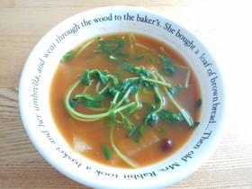 豆苗と大根の和風トマトスープ