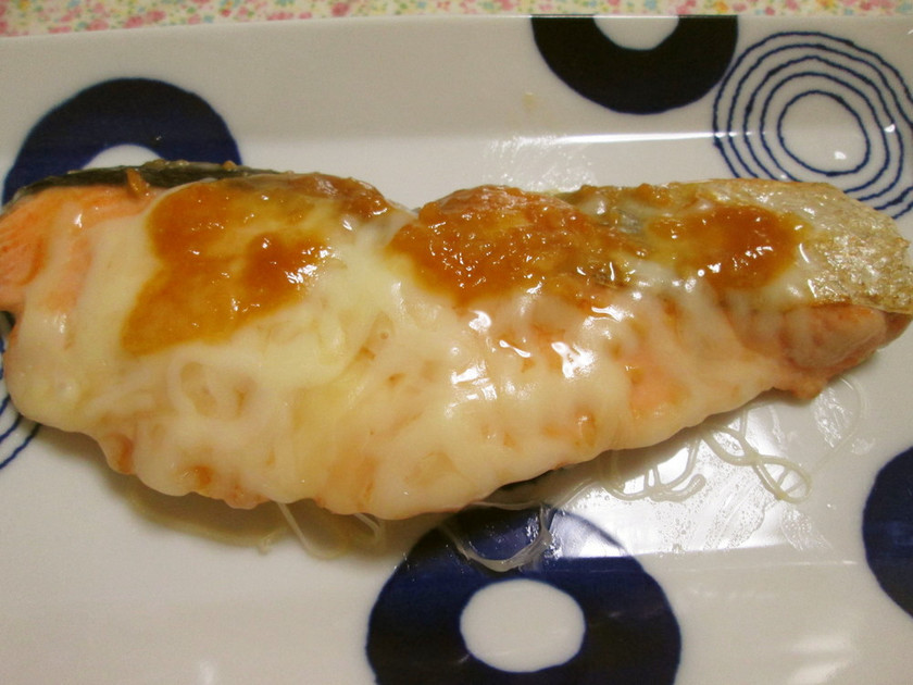 フライパンで作る!鮭のみそチーズ焼き