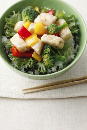 かじきとカラフル野菜の甘酢丼