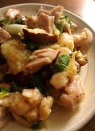 鶏と椎茸のナンプラー炒め