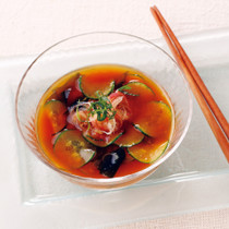 きゅうりとわかめの冷たい味噌汁