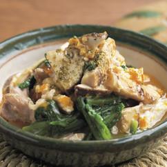松茸と鶏肉、菊菜の卵とじ