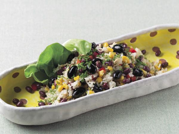 お豆とご飯のサラダ