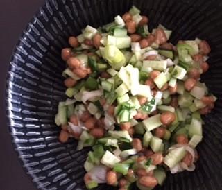 納豆ときゅうりの和え物