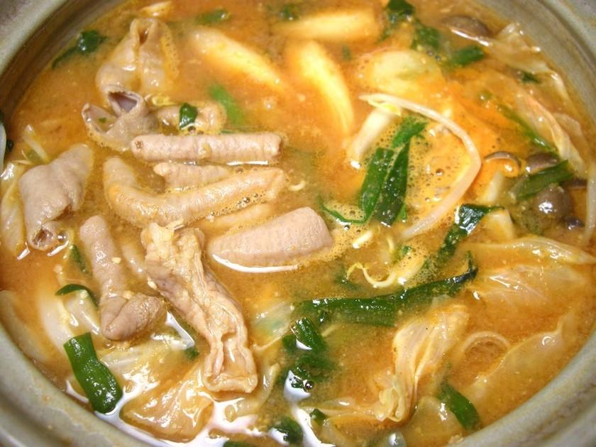簡単本格! 自家製スープの味噌モツ鍋