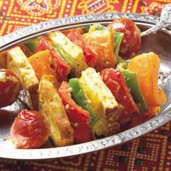 野菜とチーズのスパイシー串焼き
