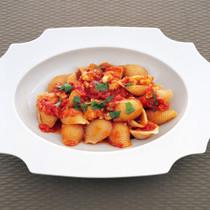 魚介のトマト煮のコンキリエ