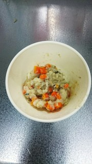 離乳食後期  さばの水煮缶の炊き込みご飯の写真