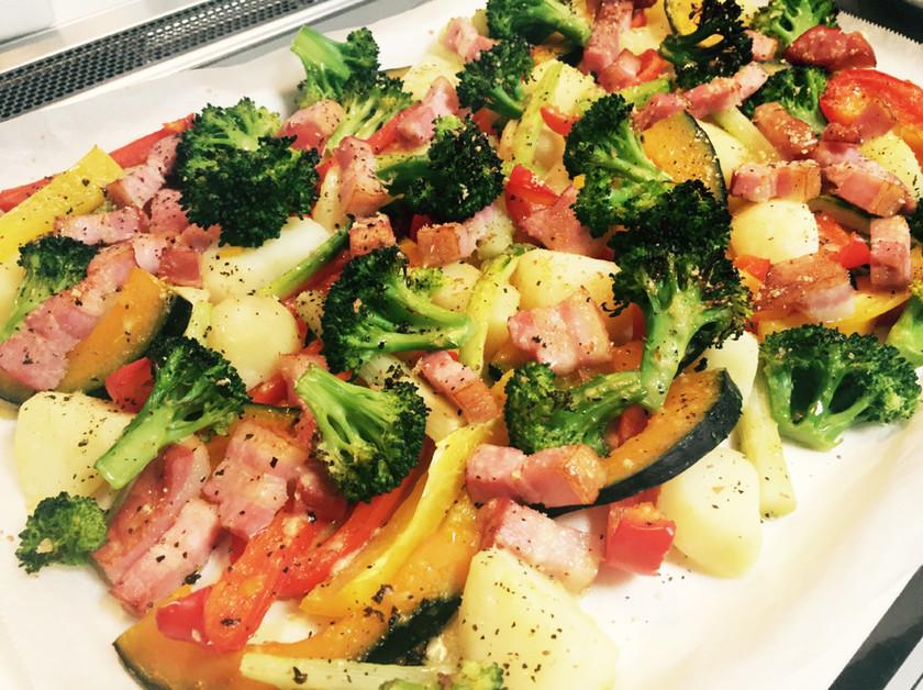 彩り野菜とベーコンのオーブン焼き