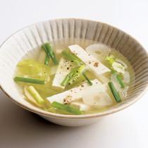 キャベツと豆腐のエスニックスープ