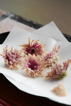 食用菊の天ぷら きれいに作るには