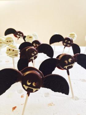 簡単ハロウィンスイーツオレオのコウモリ
