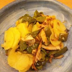 干物とジャガイモの炒め物