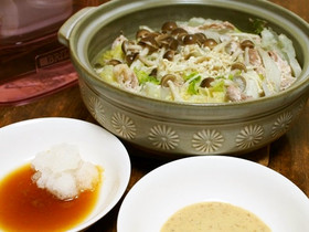 白菜としゃぶしゃぶ用豚肉で水車鍋
