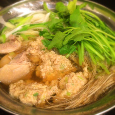 山椒香る鶏団子のせり鍋