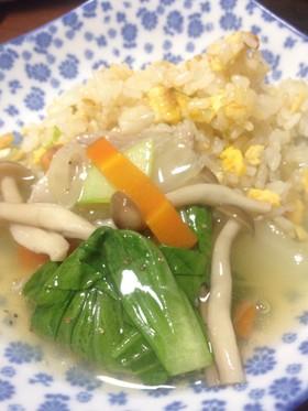 簡単☆野菜たっぷり豚肉あんかけチャーハン