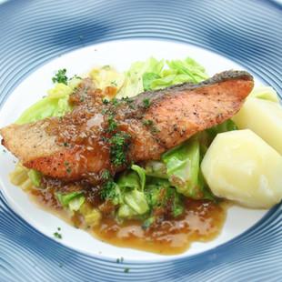 鮭のムニエル バターポン酢ソース