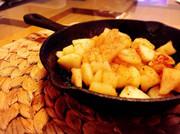 スキレットで!シナモンバター焼きリンゴの写真