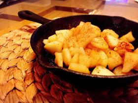 スキレットで!シナモンバター焼きリンゴ
