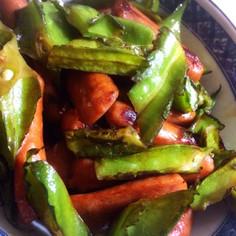 四角豆とウインナーの塩胡椒炒め