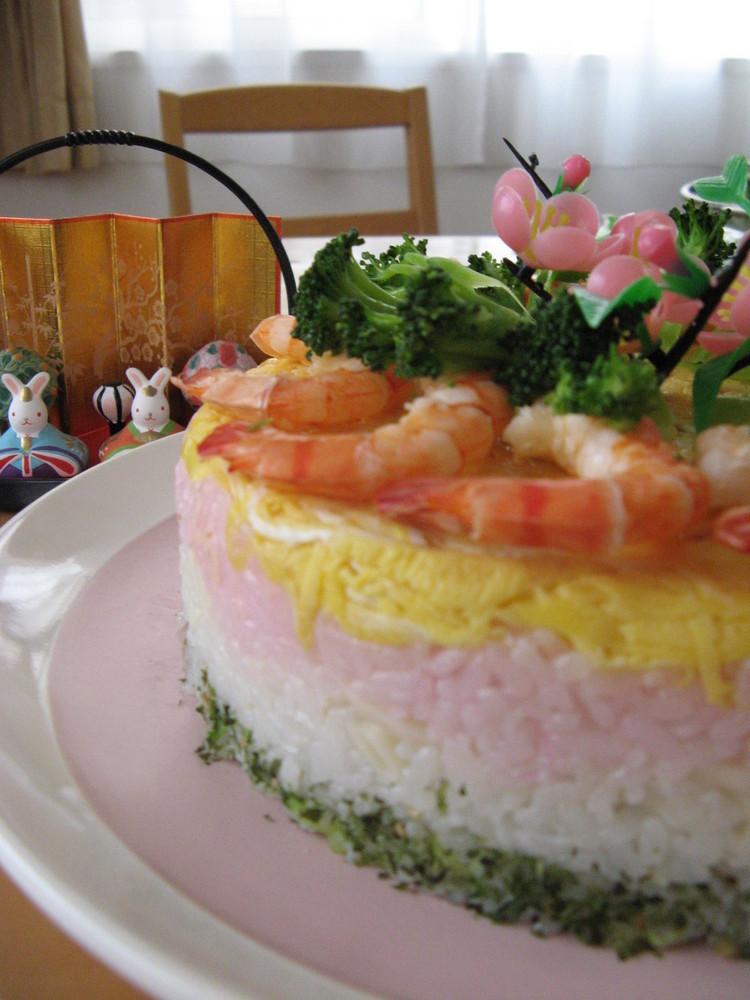 デコレーション寿司(ひな祭りやお祝いに)