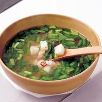 長いもとにらのスープ