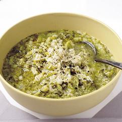 ブロッコリーと押し麦のチーズスープ
