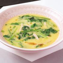 ハムとほうれん草の中華風スープ