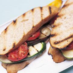 グリル野菜のサンドイッチ