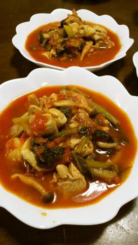 ちびっ子大好き!小松菜と鶏のトマト煮込み