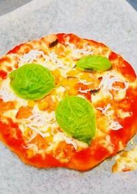 絶品4種チーズ耳までチーズ鮭としらすピザ