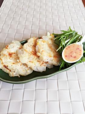 玉葱のコーンチーズ焼き。マヨ&チリソース