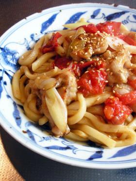 豚肉と塩トマトの焼うどん ニンニク風味