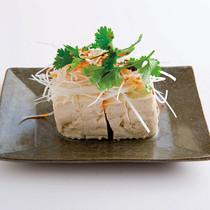 豆腐とねぎのラー油かけ
